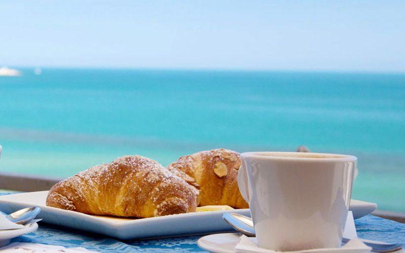 colazione-vista-mare
